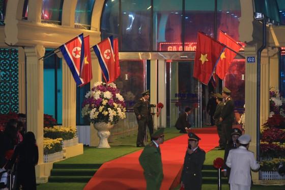 Ông Kim Jong-un đã đến ga Đồng Đăng ảnh 12