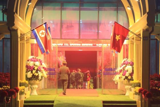 Ông Kim Jong-un đã đến ga Đồng Đăng ảnh 11