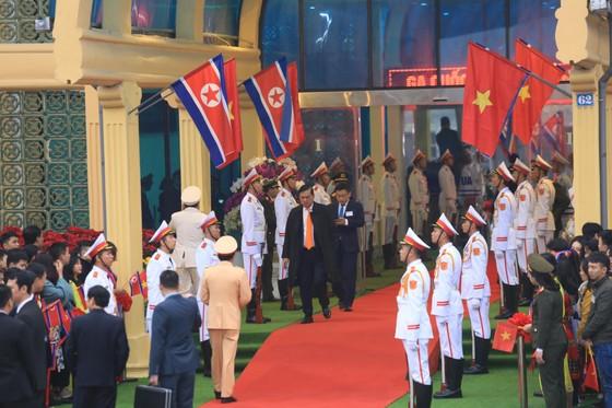 Ông Kim Jong-un đã đến ga Đồng Đăng ảnh 10