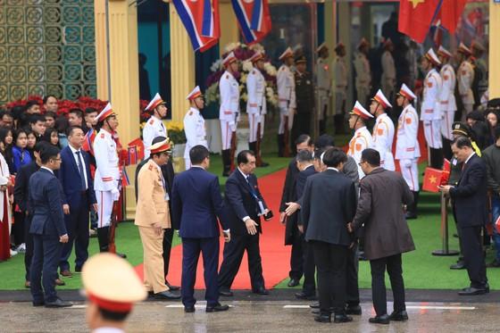 Ông Kim Jong-un đã đến ga Đồng Đăng ảnh 7