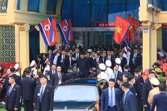 Chủ tịch Kim Jong-un đã lên xe về Thủ đô Hà Nội ảnh 7