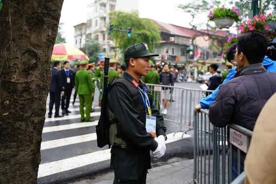Chủ tịch Kim Jong-un đã lên xe về Thủ đô Hà Nội ảnh 15