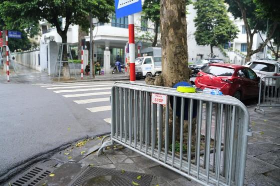 An ninh chốt chặn mọi ngả đường về khách sạn Sofitel Metropole  ảnh 7
