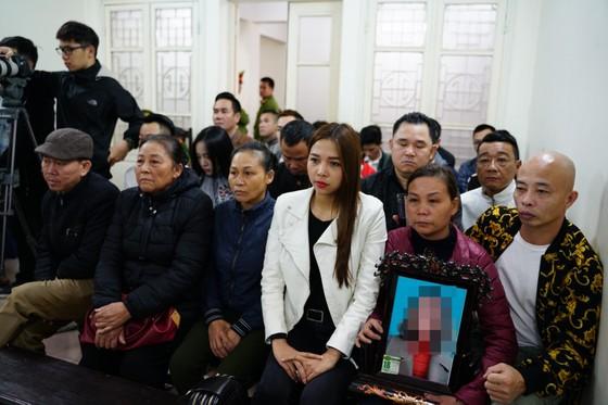 """Bắt đầu xét xử ca sĩ Châu Việt Cường tội """"Giết người"""" ảnh 3"""