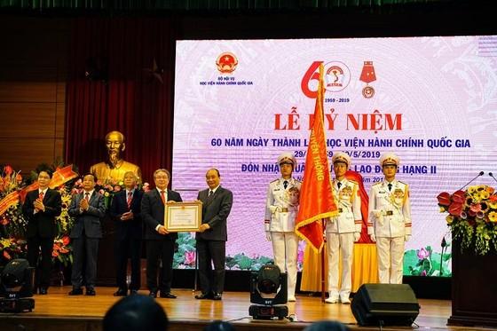 Thủ tướng trao Huân chương Lao động hạng Nhì cho Học viện Hành chính Quốc gia ảnh 1