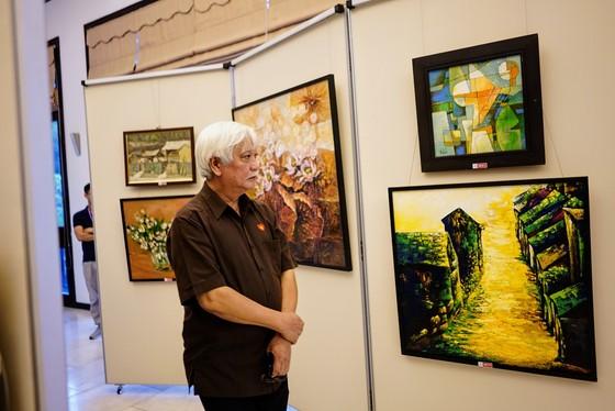 """Đấu giá hơn 100 bức tranh ủng hộ quỹ """"Chung tay trồng rừng Việt Nam"""" ảnh 2"""