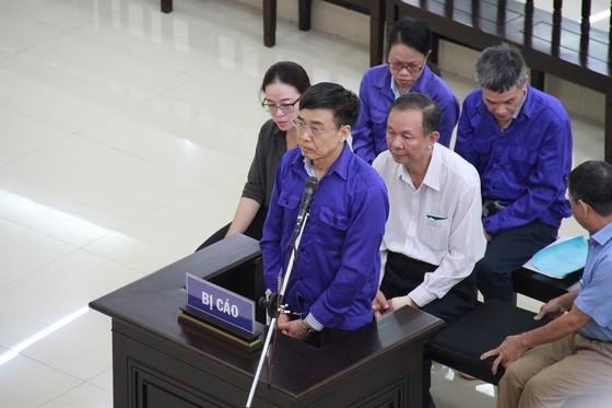 Hai nguyên Tổng Giám đốc Bảo hiểm Xã hội Việt Nam hầu toà ảnh 1