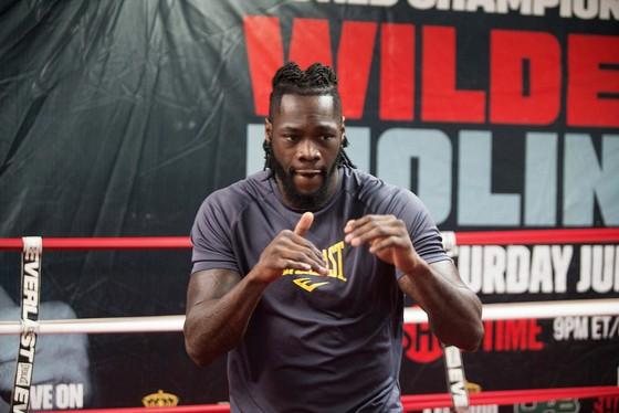 Deontay Wilder sẽ bảo vệ đai vô địch vào tháng