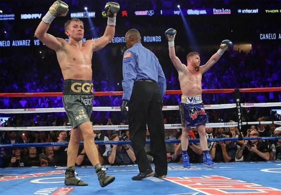"""Quyền Anh: Saunders tin rằng Triple G phải đấm gục Alvarez nếu muốn giành chiến thắng"""" ảnh 1"""