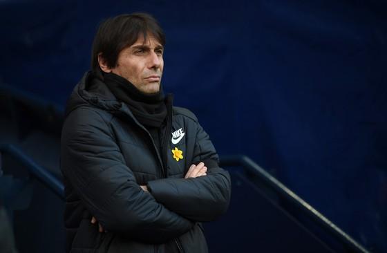 Conte gần như không phản ứng sau khi đội nhà thua 0-1