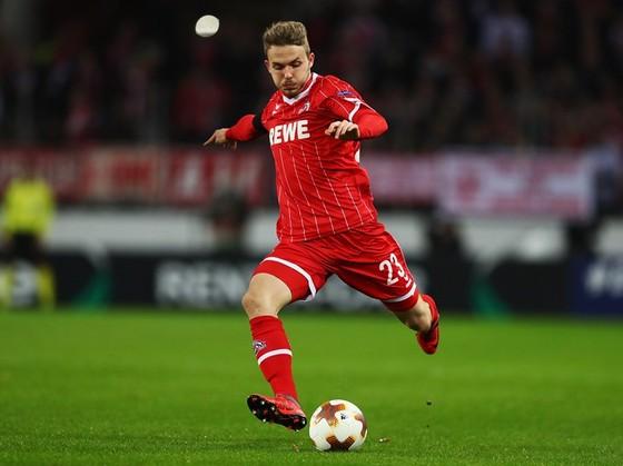 Đổi 7 kiểu áo trong mùa, FC Cologne vẫn xếp bét bảng Bundesliga ảnh 4