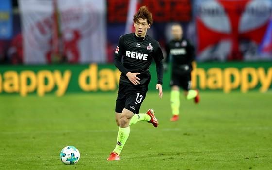 Đổi 7 kiểu áo trong mùa, FC Cologne vẫn xếp bét bảng Bundesliga ảnh 6