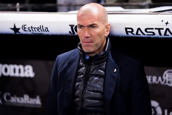 Zidane đã khiến cho người Pháp phải ngã phục trước sự tài ba của bản thân.