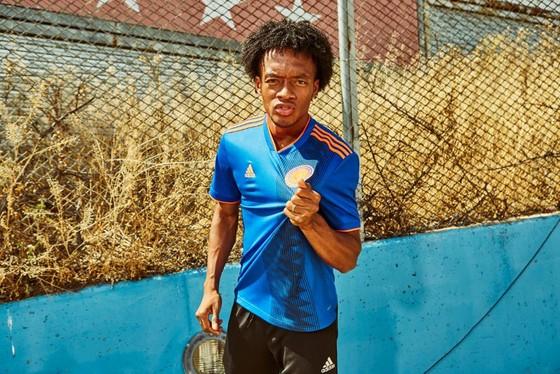 World Cup 2018: Áo đấu mới rực rỡ sắc màu! ảnh 7