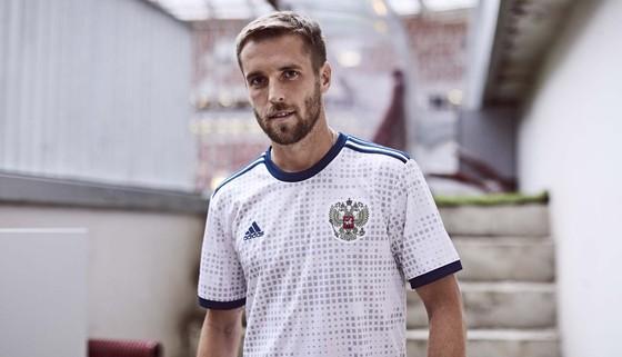 World Cup 2018: Áo đấu mới rực rỡ sắc màu! ảnh 12
