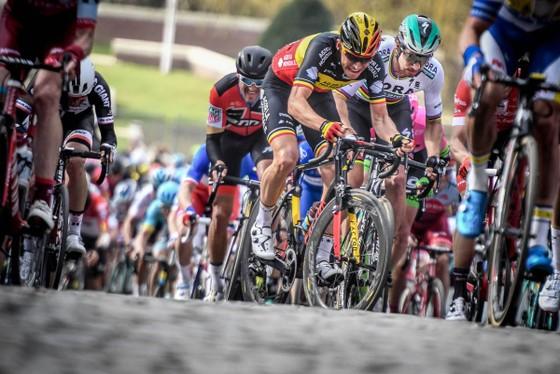 Xe đạp: Ám ảnh với đường đua Dwars door Vlaanderen ảnh 3