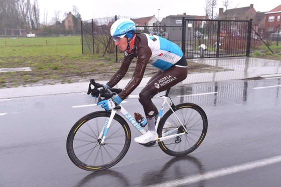 Xe đạp: Ám ảnh với đường đua Dwars door Vlaanderen ảnh 2