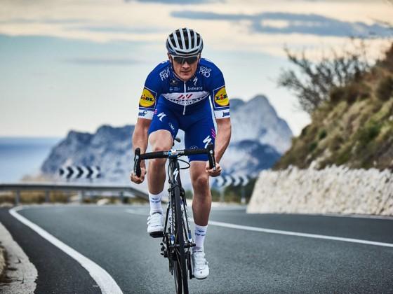 Xe đạp: Ám ảnh với đường đua Dwars door Vlaanderen ảnh 1