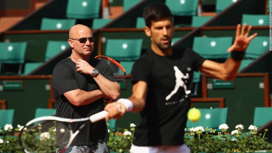 """Djokovic và Agassi chia tay: Sẽ là tốt hơn cho """"Cựu Nhà vua"""" ảnh 1"""
