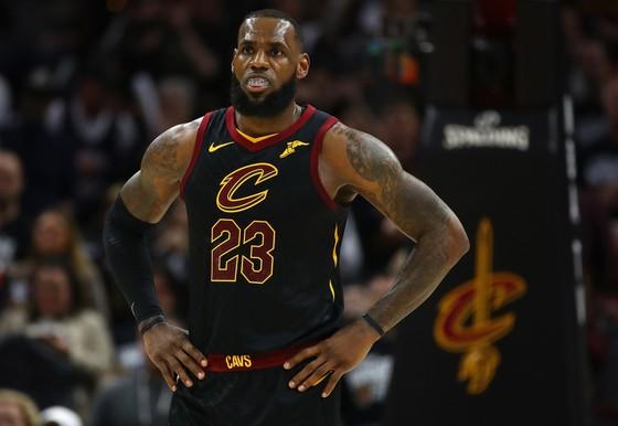 NBA 2017-2018: Harden và Capela truyền cảm hứng, Rockets dẫn Timberwolves 1-0 ảnh 2