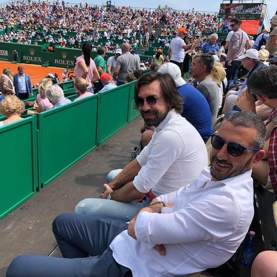 Andrea Pirlo xem một trận đấu ở Monte Carlo