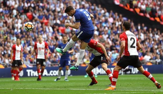 Cú chạm của Hazard, pha đảo của Giroud, đường tạt của Cesar và cái đầu của Morata ảnh 4