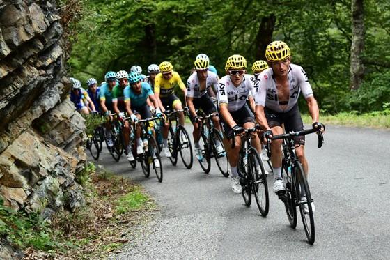 """Giro d'Italia 2018: Froome và """"biệt đội mặt dày"""" ảnh 1"""