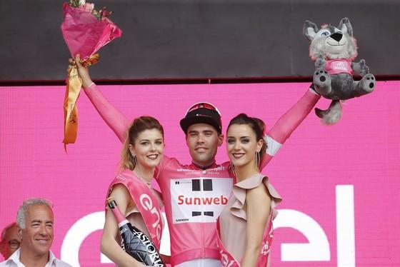 Giro d'Italia 2018: Ngày thứ… 2, Dumoulin vẫn khoác Áo hồng ảnh 1