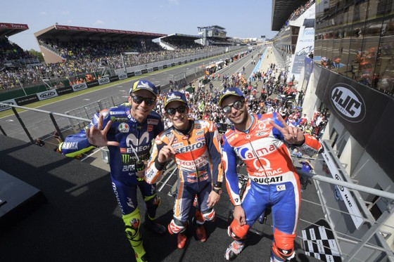 """Đua xe mô tô: Dovizioso """"tự xử"""", Marquez thắng chặng thứ 3 liên tiếp ảnh 7"""