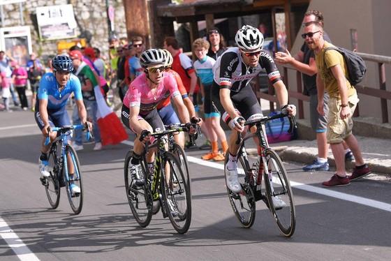 Giro d'Italia 2018: 28 giây – cách biệt mong manh ảnh 2