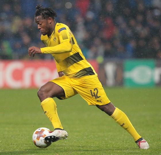 Sao Chelsea trên tuyển: Batshuayi – thành quả của những nỗ lực dũng cảm đến kỳ cùng! ảnh 2