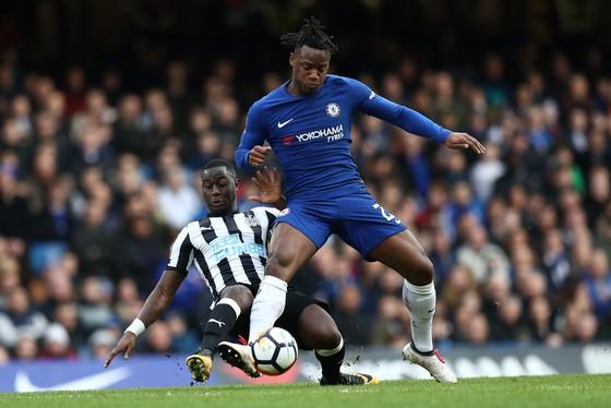Sao Chelsea trên tuyển: Batshuayi – thành quả của những nỗ lực dũng cảm đến kỳ cùng! ảnh 3