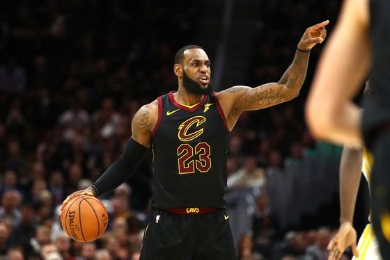 """Chung kết NBA: KD che mờ James """"gánh team"""", Warriors dẫn 3-0 ảnh 2"""