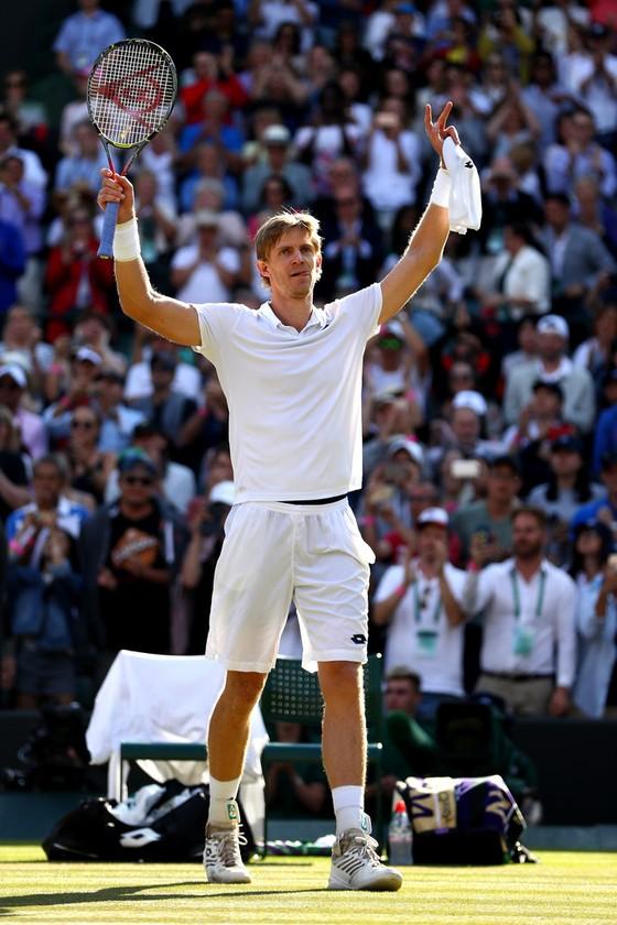 Wimbledon 2018: Địa chấn ở London – Nhà Vua Federer sụp đổ ảnh 1