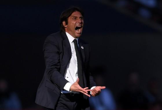 """Antonio Conte đã trở thành """"quá khứ"""""""