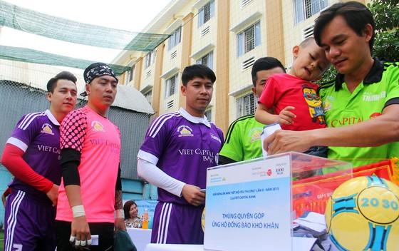 Làng phủi Sài thành chung tay vì 13 nạn nhân vụ tai nạn ở Quảng Nam ảnh 1