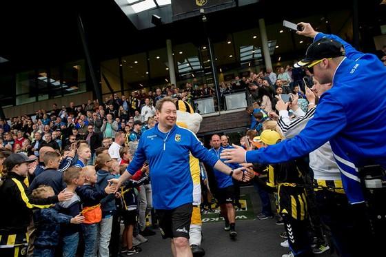 Vitesse: Bạn thân Abramovich sẵn sàng đối mặt với Basel ảnh 1