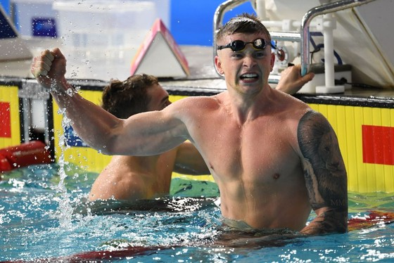 Adam Peaty phá KLTG ở cự ly 100 mét ếch