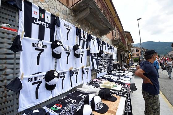 Chọc thủng lưới Juventus, Ronaldo ghi bàn đầu tiên cho… Juventus ảnh 4