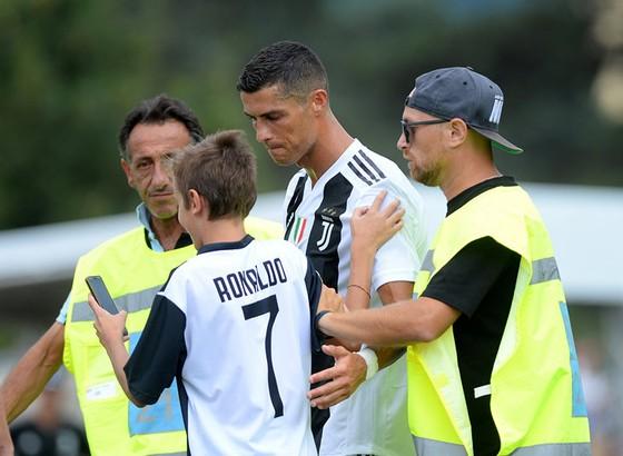 Chọc thủng lưới Juventus, Ronaldo ghi bàn đầu tiên cho… Juventus ảnh 11