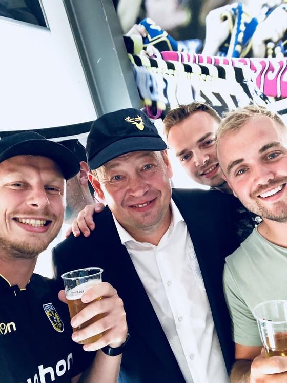 """Thắng """"5 sao"""": Bạn thân Abramovich đi vào lịch sử của Vitesse ảnh 3"""