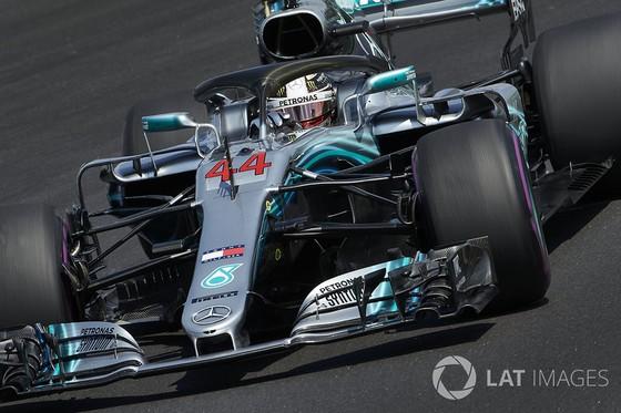 Đua xe F1: Hamilton sẽ nặng cân hơn, cơ bắp hơn ở mùa sau ảnh 1