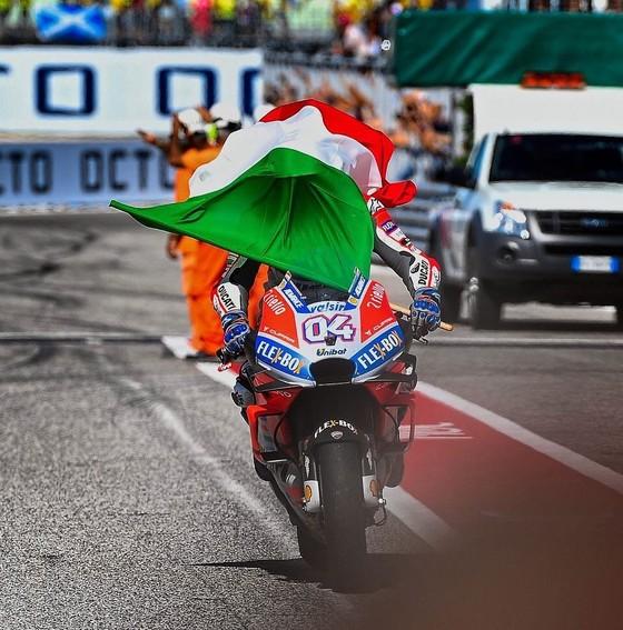 Đua xe mô tô: Đánh bại Marquez, Dovizioso giành chiến thắng ở Misano ảnh 3