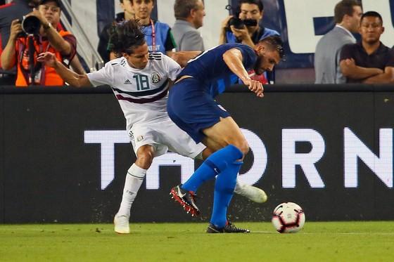 """Mỹ – Mexico 1-0: """"Lính đánh thuê"""" Chelsea chế nhạo… chiều cao của đối phương ảnh 1"""