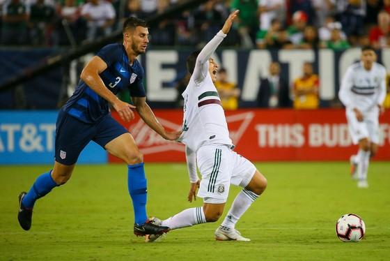 """Mỹ – Mexico 1-0: """"Lính đánh thuê"""" Chelsea chế nhạo… chiều cao của đối phương ảnh 2"""