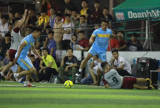 Cựu cầu thủ U23 VN tham gia giải phủi đồng hương Huế ảnh 4