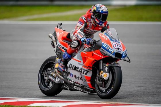 Đua xe mô tô: Dovizioso giành chiến thắng danh dự, Marquez chính thức đăng quang ảnh 1