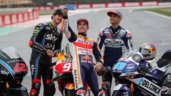 Đua xe mô tô: Dovizioso giành chiến thắng danh dự, Marquez chính thức đăng quang ảnh 4