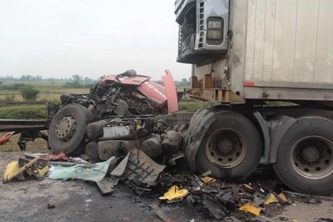 Tai nạn liên hoàn trên Quốc lộ 1A ảnh 1