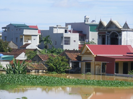 Xóm làng bỗng chốc biến thành sông ảnh 1